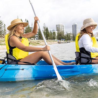 AKA-Women-Learning-to-Kayak-02